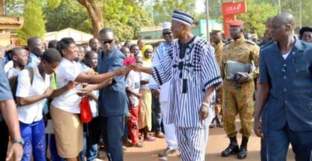 L'élève, Valentine spectaculaire du Premier ministre burkinabè Dabiré!