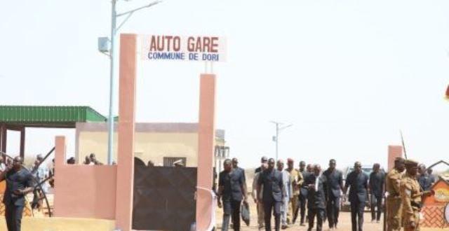 Infrastructures socioéconomiques : une nouvelle gare routière à Dori au Burkina pour impulser le développement du Sahel.