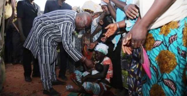 Burkina Faso: Visite du Président aux déplacés internes de Kaya suite aux attaques terroristes