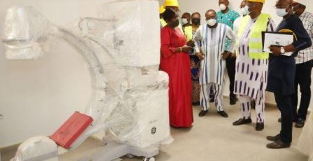 Visite du Président du Faso au centre de radiothérapie des cancers à Ouagadougou bientôt fonctionnel
