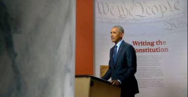 Convention démocrate: Barack Obama s'attaque frontalement à Donald Trump
