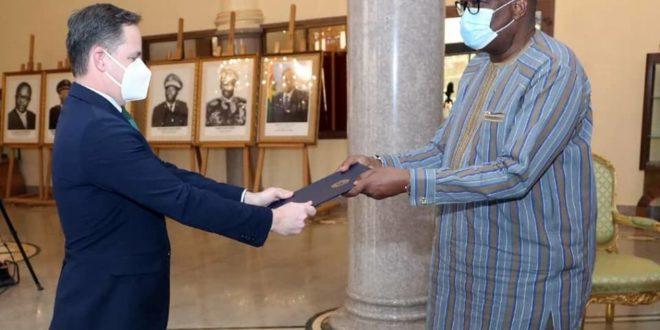 Diplomatie: 9 nouveaux ambassadeurs ont présenté leurs lettres au Président du Faso en Février 2021