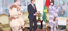 Burkina Faso: le président du Faso avec un émissaire de l'Union européenne pour le renforcement des capacités des forces armées nationales