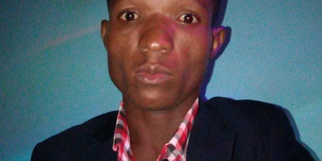 Félix KY, un jeune écrivain burkinabè qui dévoile les vices de la société et célèbre les vertus et la bienséance.