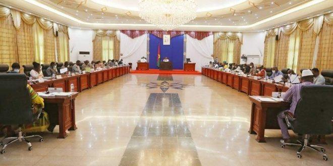 Conseil des ministres du 9 Juin 2021: le bilan officiel du gouvernement burkinabè sur l'attaque terroriste meurtrière de SOLHAN